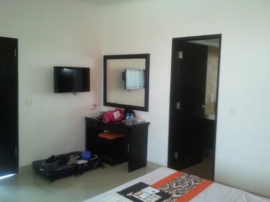 Dewi Sri Hotel : Rm 204