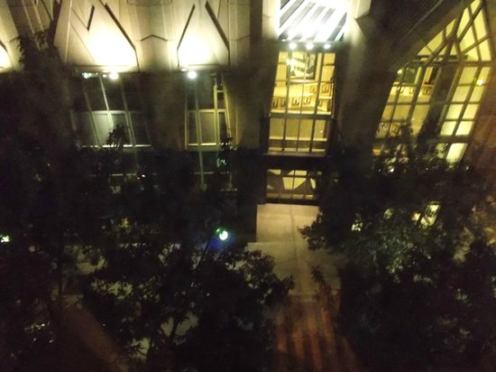 Holiday Inn Charlotte - Center City : Hearst Tower - as seen from our room (lots of noise on this street)