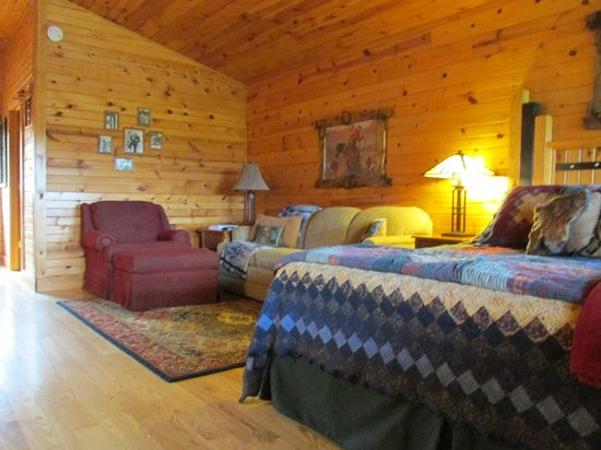 Kickapoo Valley Ranch Guest Cabins: inside our cabin