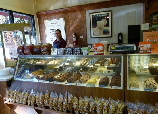 Blue Ridge Village : Kilwin's Ice Cream and Fudge -- a must when in Blowing Rock