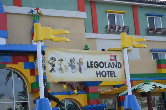 LEGOLAND California Hotel: Hotel from the back side