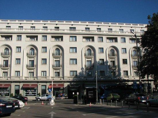 Athenee Palace Hilton Bucharest: Right outside