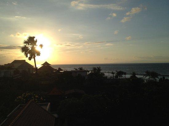 Villa Beachside: Beautiful Sunrise from the terrace on the 3rd floor