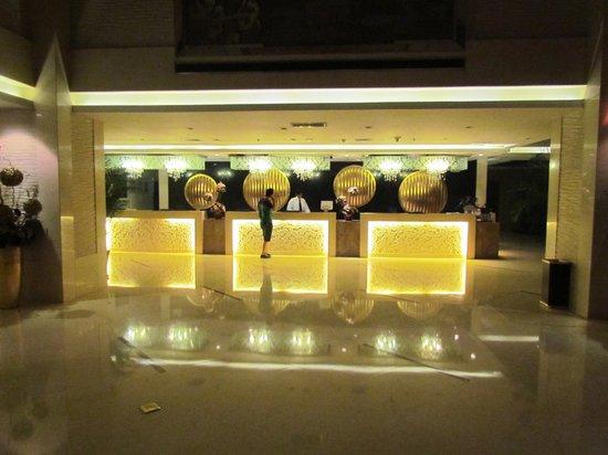 Xian Titan Times Hotel: Reception area