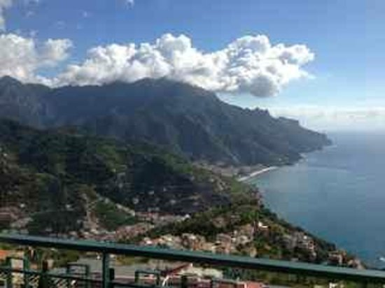 Graal Hotel Ravello: the view from the hotel