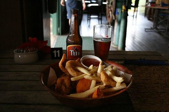 The Boat Shed Bar & Grill : フライとビール