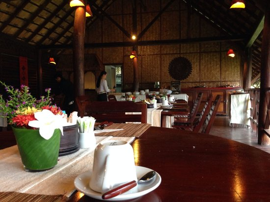The Luang Say Lodge: lobby / dining room