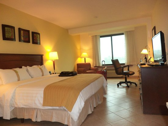 Holiday Inn Panama Canal: Habitacion