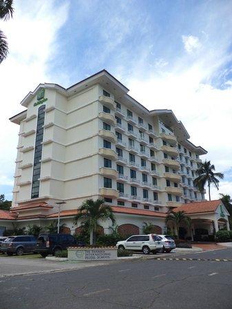 Holiday Inn Panama Canal: Vista exterior del hotel