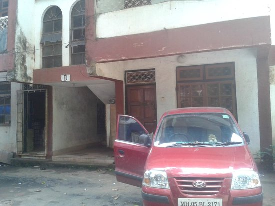 Falcon Resorts: bad shape building in parking space. see the edge