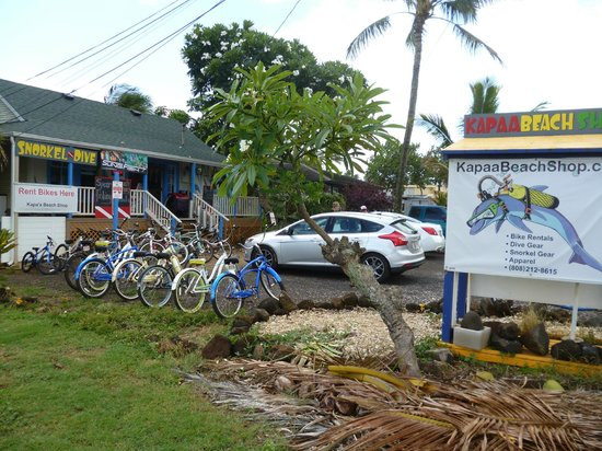 Kapaa Beach Shop : Front of shop.