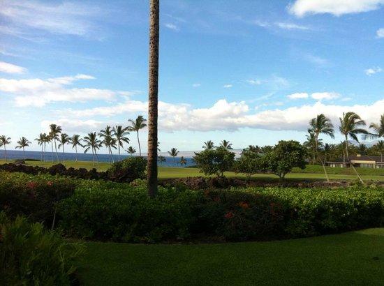Mauna Lani Point: ラナイからの左手の眺め