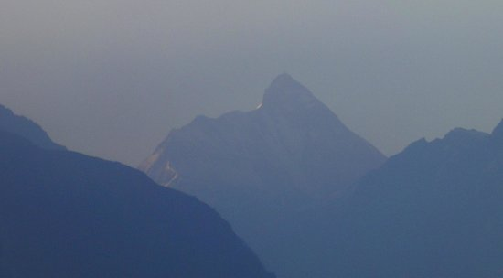 Devi Darshan Lodge: View of Nanda devi at dawn