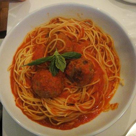 Biaggi's Ristorante Italiano: spaghetti & meatballs