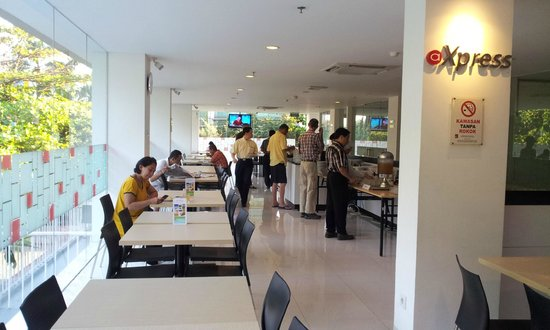 Amaris Hotel Padjajaran - Bogor - room photo 5832285
