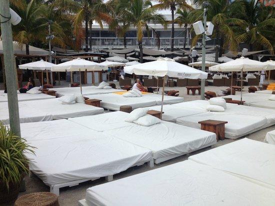 Nikki Beach Miami Area Lounge