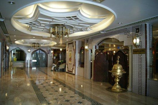 Toledo Amman Hotel: Lobby, nice decor