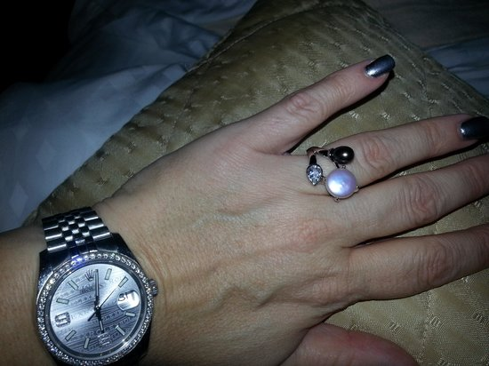 hawaii trading post: My New Ring of The Year Designed by the Owner herself!