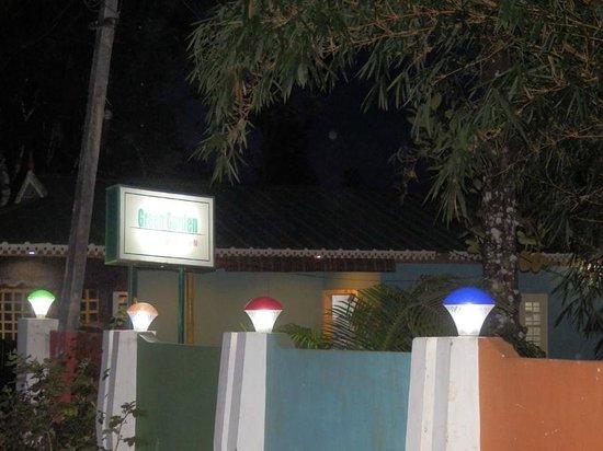 Green Garden Cottage: Night View