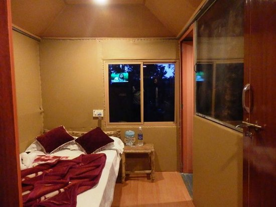 Green Garden Cottage: Tree House Room