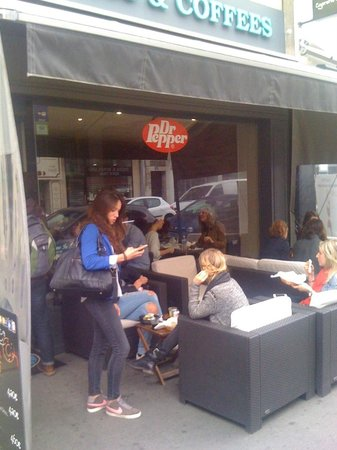 Bagels and coffees: la terrasse