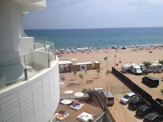 Kalima Beach Club : Beach club seen from above.