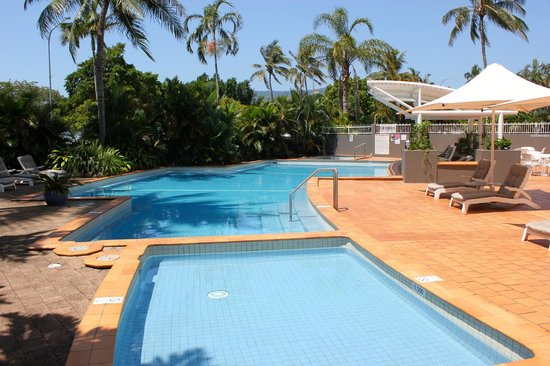 DoubleTree by Hilton Hotel Cairns: Pool