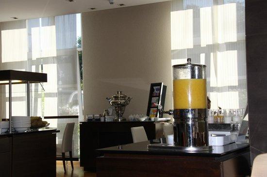 NH Frankfurt Airport: Tea and coffee, juice