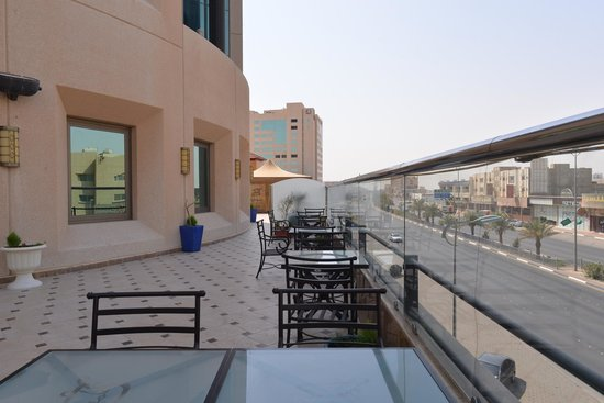 Coral Al Ahsa Hotel: Another view from terrace