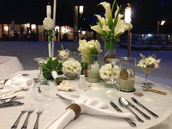 Fridays Boracay: Wedding dinner table, decorated by Friday's