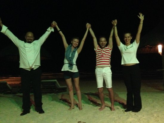 Friday's Boracay : With Luciano, the Chief & Annie, his wife and wedding planner. Last dinner!