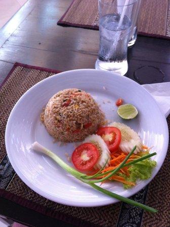 Rayaburi Hotel Patong : dinner