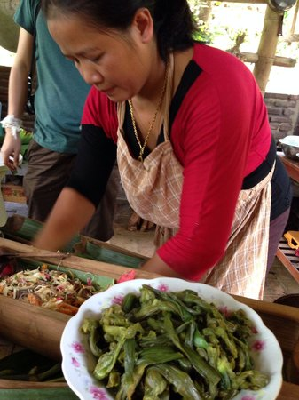Vanvisa Guesthouse : ms. Saengarun - sous-chef.  very talented.