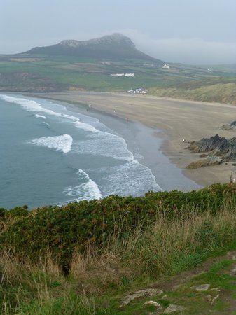 Wales Coastal Path: Whitesands Beach