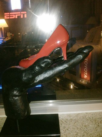 Luxe City Center Hotel: Ruby Red Pumps and Night View