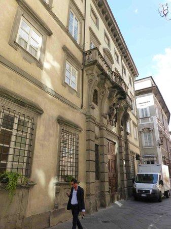 Palazzo Tucci: La façade