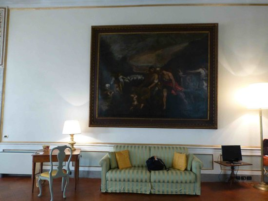 Palazzo Tucci: Le canapé et la télévision
