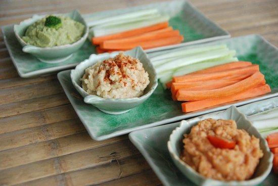 Magical Garden Cafe: Hummus