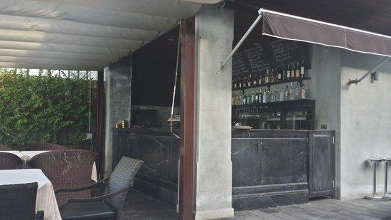The Scent Hotel: Бар-ресторан 1