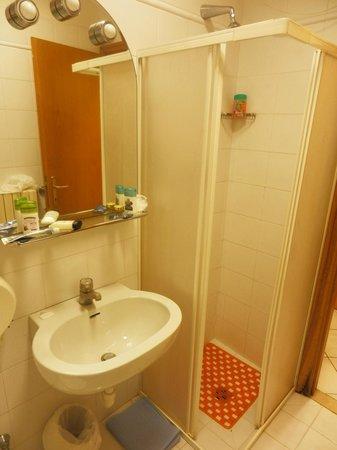 Albergo Paradiso: Bathroom