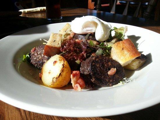 Templars Inn Restaurant: Potato and black pudding salad