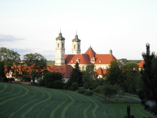 Hotel St. Ulrich: vista da basílica