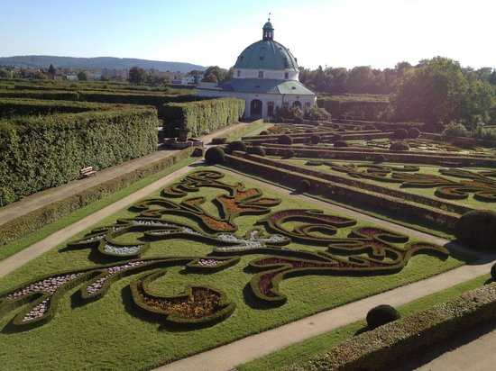 Gardens and Castle at Kromeríz: Floral garden