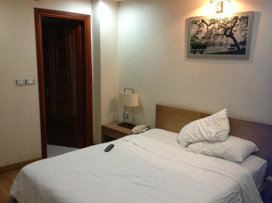 Hanoi A1 Hotel: Comfy bed