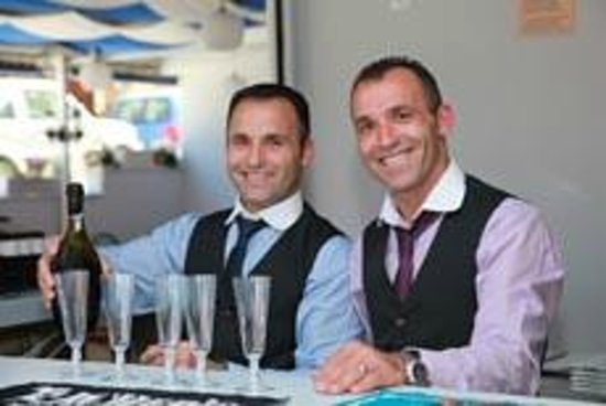 Micri Acropoli Restaurant & Bar : Opening Night Champagne