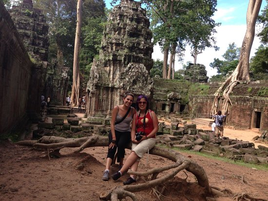 Angkor Archaeological Park: Friends spiritual-architecture-human-help experience