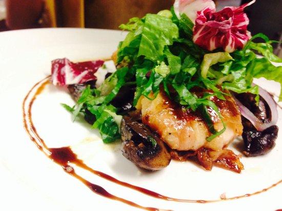 Spasso Restaurant at Grand Hyatt Erawan: Scallop salad
