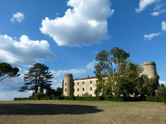 Calcione Castle and Country: Schloss Calcione
