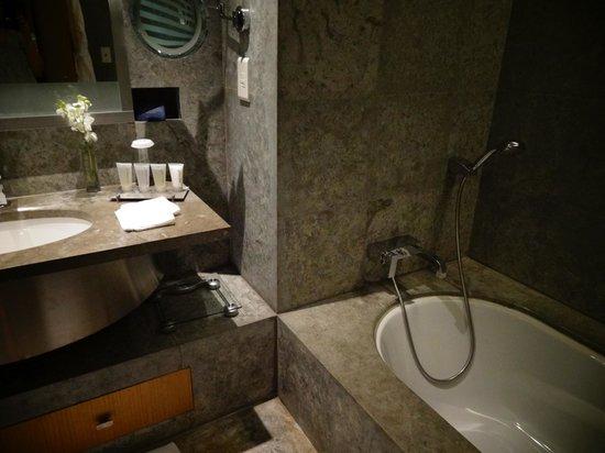 Kempinski Hotel Ishtar Dead Sea: room