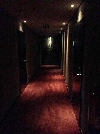 Vip Executive Saldanha Hotel: corridoi molto bui